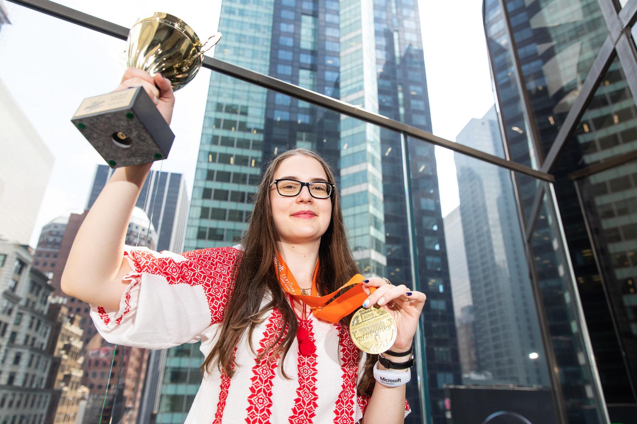 Mihaela Florea Campioana Mondiala Excel2016